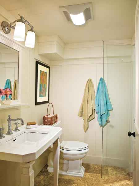 Flow with pedestal sinks 23 savvy and inspiring small for Super small bathroom