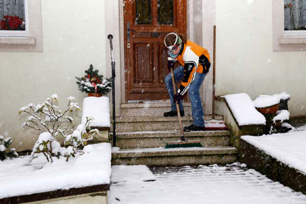 shoveling snow from front entry steps, january fast fixes