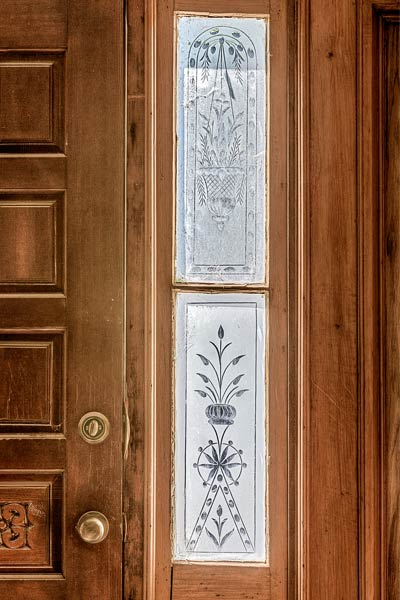 front door etched glass in a Folk Victorian for sale in Brunswick, Missouri