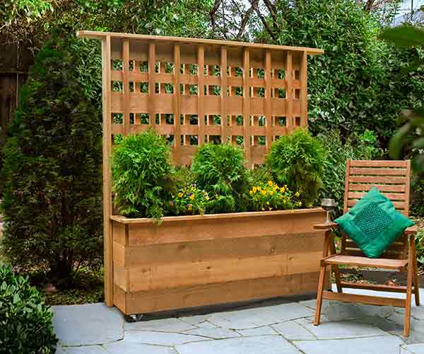 Build a rolling privacy planter 4 diy privacy screen for Large outdoor privacy screen