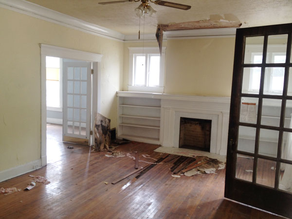 Water Damaged Living Room Before Abandoned Texas