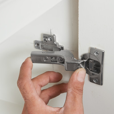 How to fit a kitchen door hinge