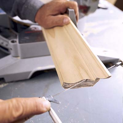 how to cut crown molding with a coping saw