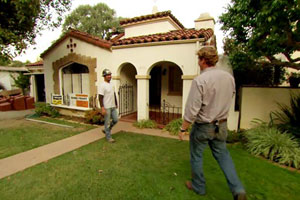 Kevin O'Connor approaches the Los Angeles TV project house